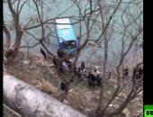 شاهد.. سقوط حافلة ركـاب فى نهر شـمال الصين