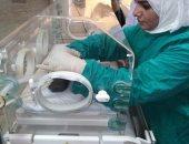 صور.. تركيب 5 أجهزة تنفس اصطناعى للأطفال المبتسرين بمستشفى سوهاج العام