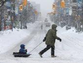 استمرار العواصف الثلجية على كندا وإلغاء مئات الرحلات الجوية