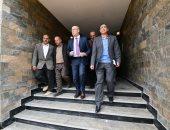 """وزير الإسكان يختتم أولى جولاته بزيارة مشروعى""""JANNA"""" و""""سكن مصر"""" بالقاهرة الجديدة"""