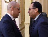 صور.. رئيس الوزراء يلتقى وزير الإسكان الجديد ويهنئه على توليه المنصب