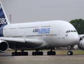 رويترز: طيران الإمارات تقترب من اتفاق طائرات عريضة البدن مع إيرباص