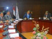 وزير النقل: ننفذ 6 محاور كبرى على النيل بالصعيد لربط شرق وغرب النيل