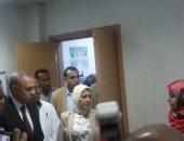 صور.. وزيرة الصحة تتفقد مستشفى قفط التعليمى لمتابعة سير العملية الطبية