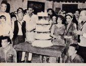 """صورة نادرة لاحتفال شادية ونجوم """"ريا وسكينة"""" بعيد الميلاد الثانى للمسرحية"""