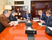 وزير التنمية المحلية يجتمع بـ4 محافظين لمناقشة منظومة النظافة