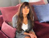 """زينة بعد الاعتذار عن تقديم مسلسل جديد فى رمضان: """"ملكة في بيتى"""""""