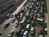كثافات مرورية بمحور صفط اللبن بسبب زيادة الأحمال اتجاه جامعة القاهرة
