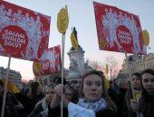 مظاهرات فرنسية ضد معاداة السامية.. وماكرون يعد بتشريع يعاقب المعتدين على اليهود