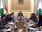 رئيس الوزراء يتابع أعمال تنفيذ المناطق الاستثمارية والصناعية بالمحافظات