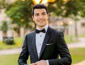 محمد أنور يوجه رسالة رومانسية لزوجته فى صورة مع بداية العام الجديد