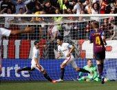 إشبيلية ضد برشلونة.. البارسا يتأخر بثنائية فى شوط أول مثير بالدوري الإسباني