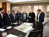صور.. وزير الإسكان يتابع تنفيذ مشروع الحدائق المركزية بالعاصمة الإدارية