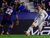 ليفانتي ضد ريال مدريد.. كريم بنزيما يتقدم للملكي من ركلة جزاء