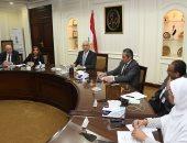 وزير الإسكان يناقش قانون التطوير العقارى مع البرلمان والمطورين العقاريين