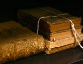 كيف يمكن أن تصيبك الكتب القديمة بالفيروسات والجراثيم