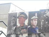 عمرهم ماغابوا.. صور عبد الناصر والسادات الأكثر  مبيعاً فى وسط البلد