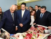 صور.. رئيس مجلس النواب يزور مصابى حادث قطار محطة مصر فى معهد ناصر