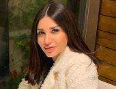 """الفنانة السورية سارة نخلة تجرى جراحة بسبب """"نملة"""""""