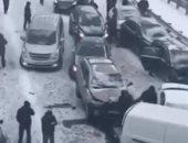 فيديو.. الجليد يتسبب باصطدام 40 سيارة فى موسكو
