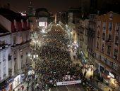 صور.. آلاف المتظاهرين يحتشدون فى شوارع بلجراد ضد الرئيس الصربى