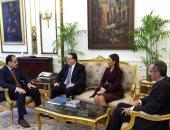 فيديو.. رئيس الوزراء يتلقى دعوة من الحريرى لزيارة لبنان لعقد اللجنة العليا المشتركة
