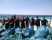 صور.. محميات البحر الأحمر تنظم حملة تنظيف جزيرة مجاويش بالتعاون مع المجتمع المحلي