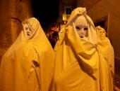 صور.. ماسكات مرعبة خلال كرنفال للتنكر فى مالطا