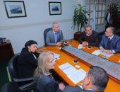 نائب وزير النقل يلتقى وفد البنك الأوروبى لإعادة الإعمار والتنمية