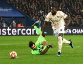 مدافع سان جيرمان يعترف: لعبنا باسترخاء أمام مانشستر يونايتد