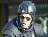 صور.. هيو جاكمان يستمتع بركوب دراجته فى نيويورك