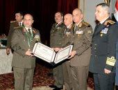 صور.. وزير الدفاع يكرم قادة القوات المسلحة المحالين للتقاعد