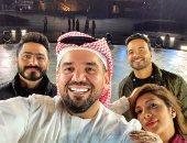 سيلفى الجسمى مع تامر حسنى وأصالة قبل مشاركتهم بحفل الأولمبياد الخاص الإماراتى