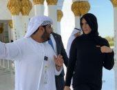ستيفانى مكمان بالحجاب خلال زيارتها لمسجد الشيخ زايد بأبوظبى ..صور