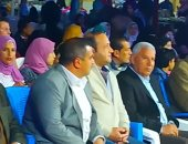 صور.. محافظ مطروح يشهد عرض لفرقة الفنون الشعبية ضمن أنشطة