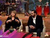 مجدى كامل ومها أحمد عن ابنهما: لو ضحك الدنيا تضحك