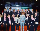 الدكتورة غادة عبدالرحيم تدير جلسة محور الشباب بمؤتمر جامعات جنوب الصعيد الأول