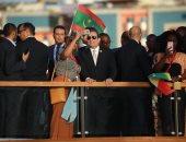 الشباب العربى والإفريقى يلتقطون صور سليفى مع الرئيس السيسي بنيل أسوان