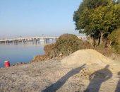 صور.. ردم جزء من النيل بسبب عوامة نيلية فى قرية سنبادة بمحافظة البحيرة