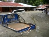 صور.. ارتفاع حصيلة ضحايا الفيضانات شرق إندونيسيا إلى 109 قتلى ومصابين