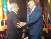 رئيس الأكاديمية العربية للنقل يكرم كامل الوزير ومهاب مميش