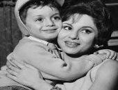 الأم فى السينما المصرية حنونة قوية مضحية وأحياناً متسلطة