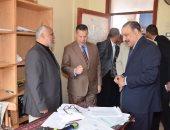 محافظ بنى سويف يتفقد كنترول التعليم الفنى لخدمة 36 ألف طالب بـ3 محافظات