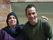 شاهد.. حسام باولو يحتفل بعيد الأم مع ست الحبايب
