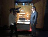 ضجة فى فرنسا.. صحف عالمية تتسابق للقاء وزير الآثار قبل معرض الملك الذهبى