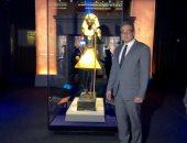 قبل افتتاحه بساعات.. شاهد وزير الآثار يتفقد معرض توت عنخ آمون فى فرنسا