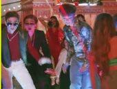 "فيديو Why Don't We ومكاليمور يطلقان ""single"" جديد بعنوان ""Don't Belong In This Club"""