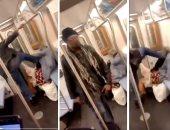 """""""لا أحد يعرف السبب"""".. شباب يعتدى على امراة مسنة بمترو الأنفاق فى أمريكا """"فيديو"""""""