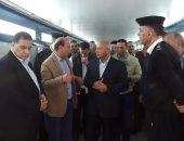 صور.. وزير النقل يتفقد محطة مصر وورش صيانة الجرارات