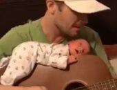 لو بيعزف عود أو جيتار اتجوزيه وإنتى الكسبانة.. فيديو